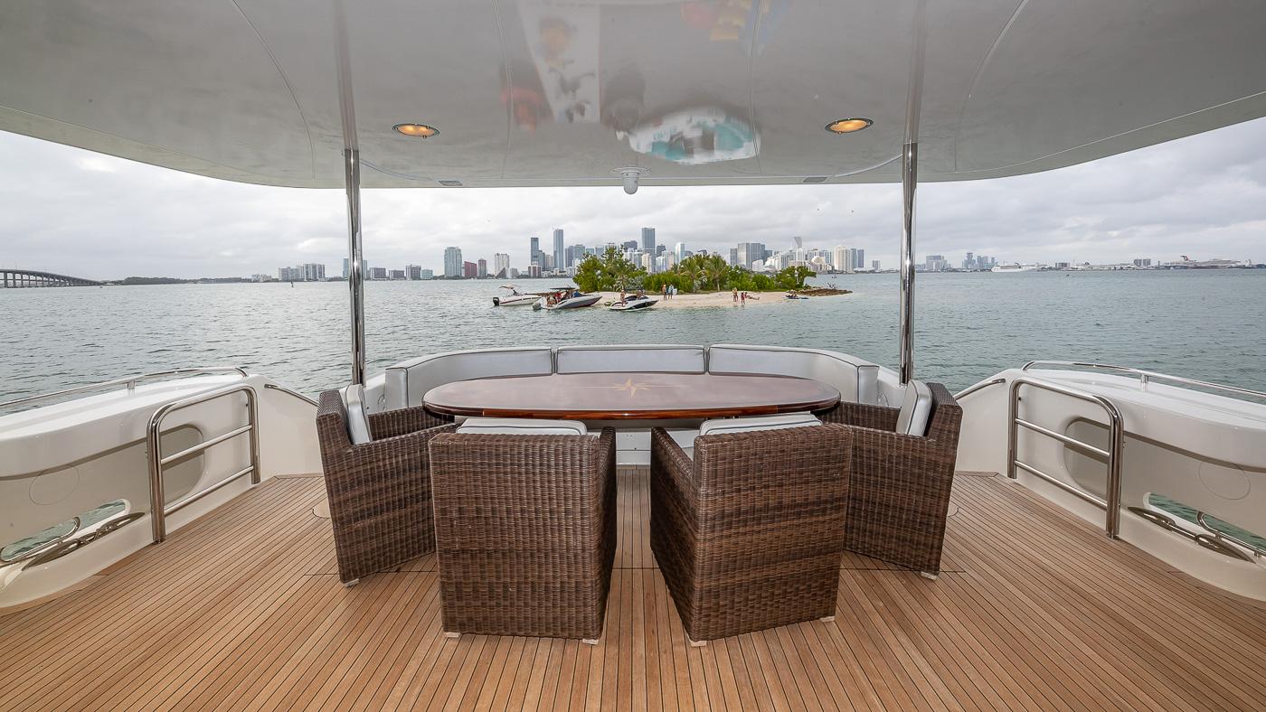 Luxury Yacht Charter: IV TRANQUILITY   94' Lazzara 2001/2018  - photo 4
