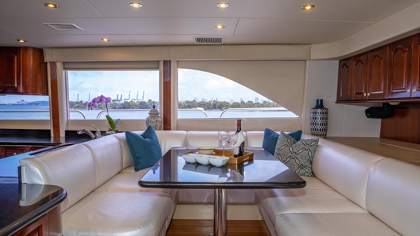 Luxury Yacht Charter: IV TRANQUILITY   94' Lazzara 2001/2018  - photo 5