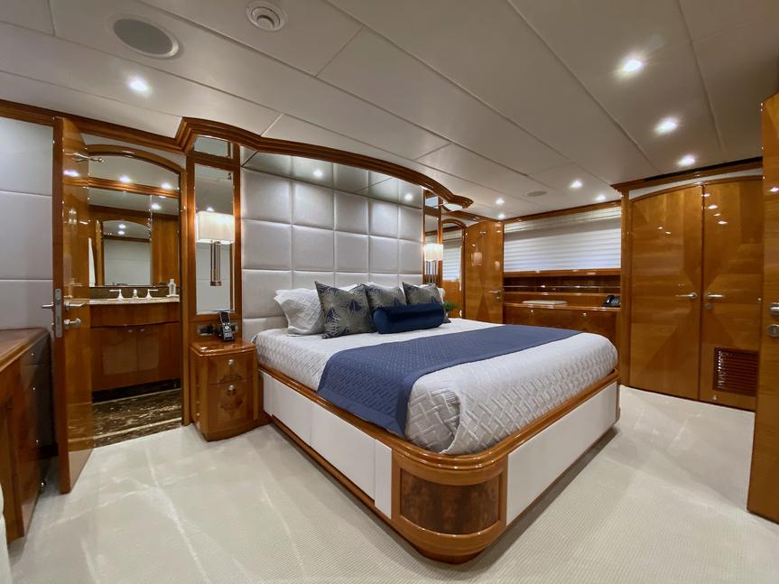 Luxury Yacht Charter: BRANDI WINE | 114' Hargrave 2009/2019  - photo 8