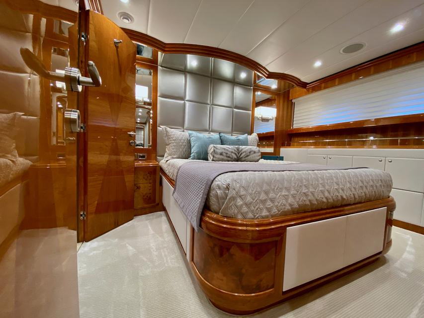 Luxury Yacht Charter: BRANDI WINE | 114' Hargrave 2009/2019  - photo 10