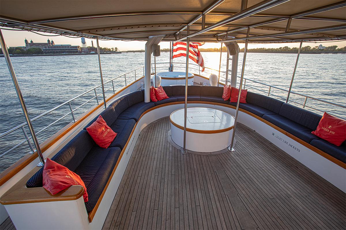 Luxury Yacht Charter: ARABELLA   157' Palmer Johnson 1983  - photo 3