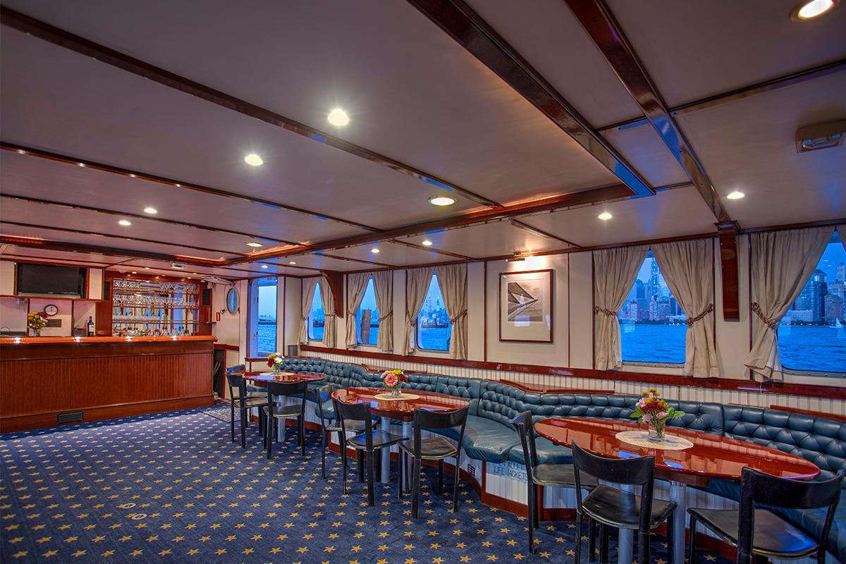 Luxury Yacht Charter: ARABELLA   157' Palmer Johnson 1983  - photo 6