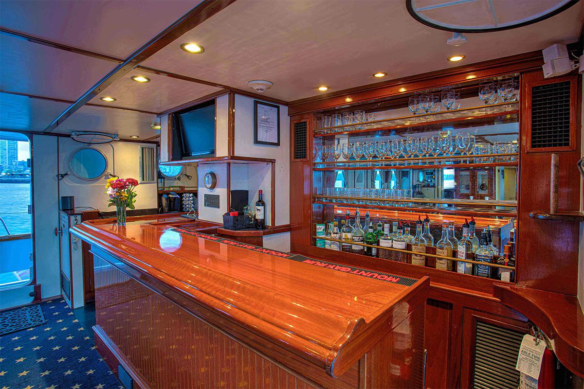 Luxury Yacht Charter: ARABELLA   157' Palmer Johnson 1983  - photo 7