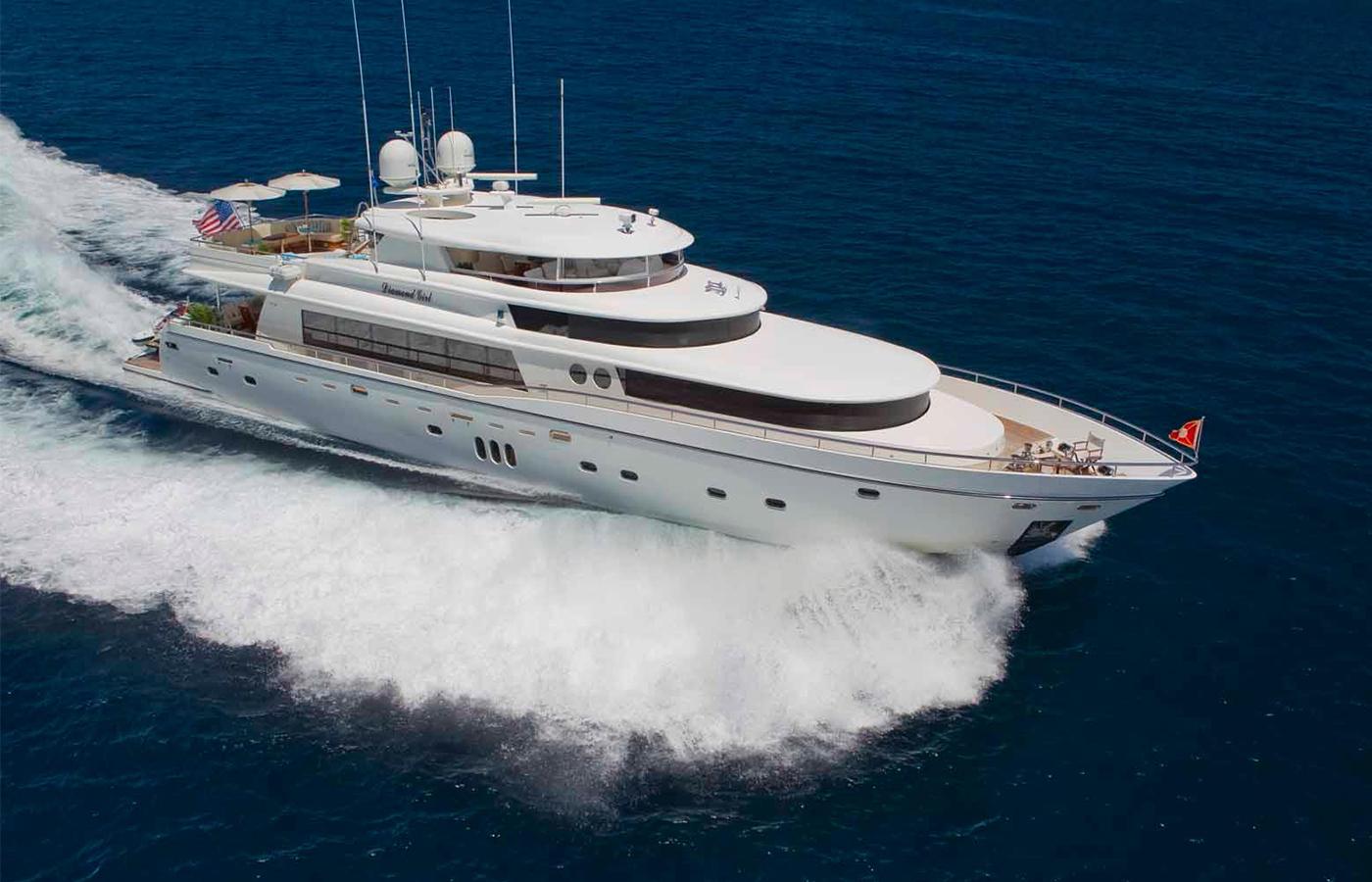 103 Johnson Motor Yacht Sold By Patrick Hopkins