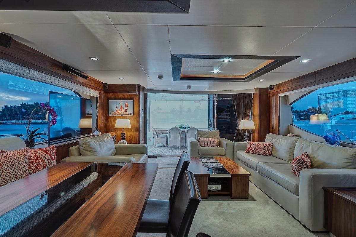 Luxury Yacht Charter: SPLASHED OUT | 88' Sunseeker 2010/2020 - photo 5