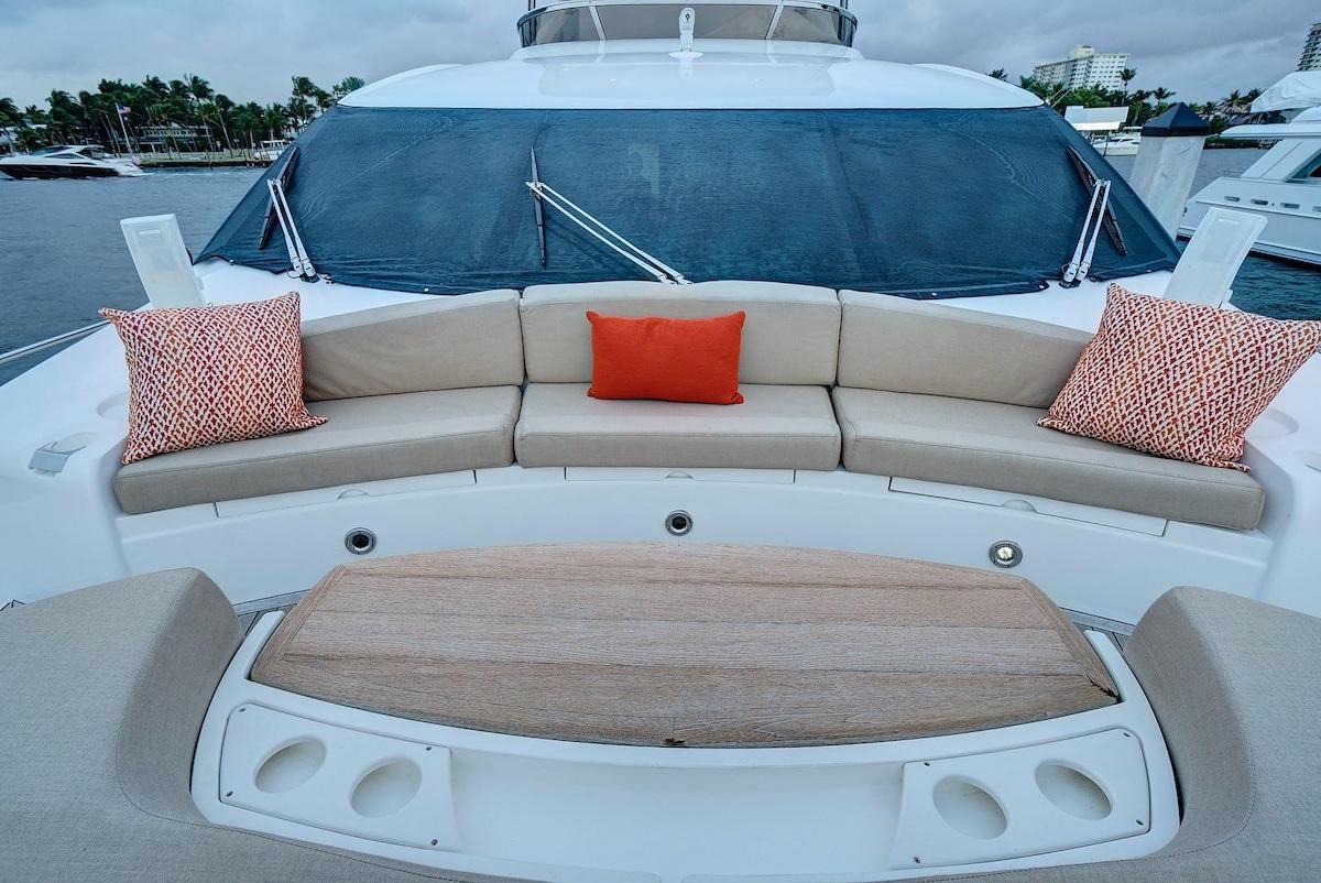 Luxury Yacht Charter: SPLASHED OUT | 88' Sunseeker 2010/2020 - photo 4