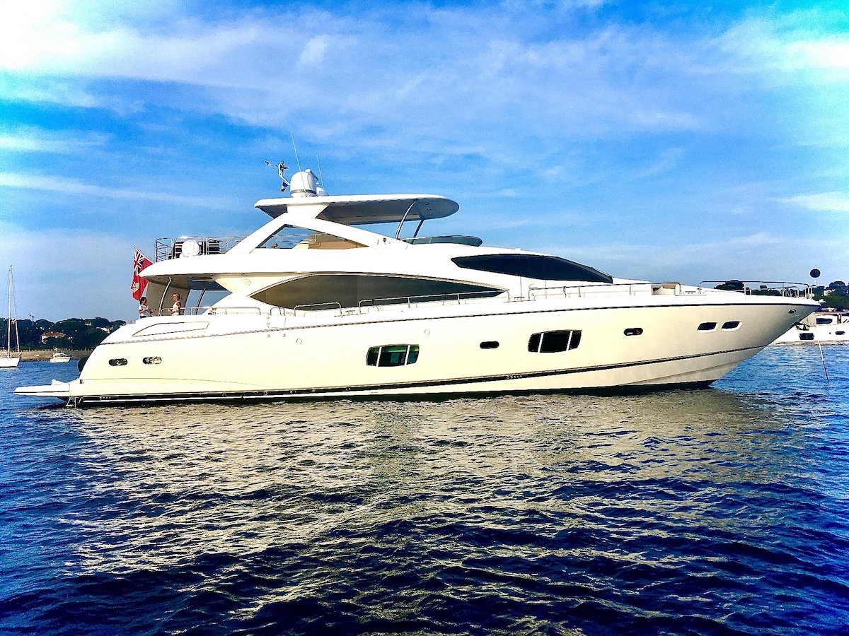 Luxury Yacht Charter: SPLASHED OUT | 88' Sunseeker 2010/2020 - photo 1