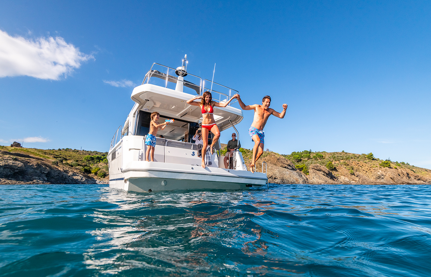 5 New Boats That Can Be Delivered Before The Holidays