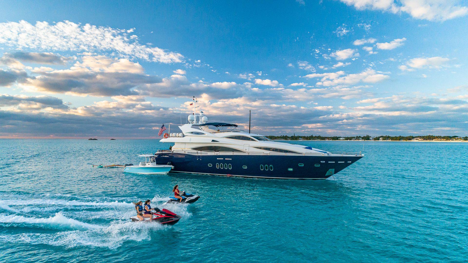 Luxury Yacht Charter: KEFI   105' Sunseeker 2004/2018 - photo 2