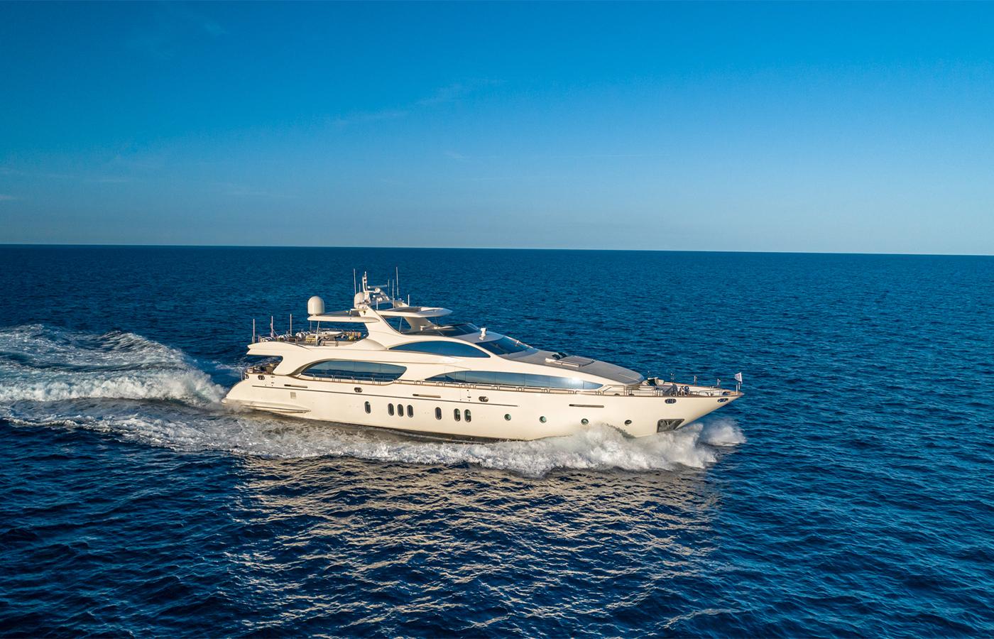 Luxury Yacht Charter: SWEET EMOCEAN | 116' Azimut 2009/2019 - photo 1