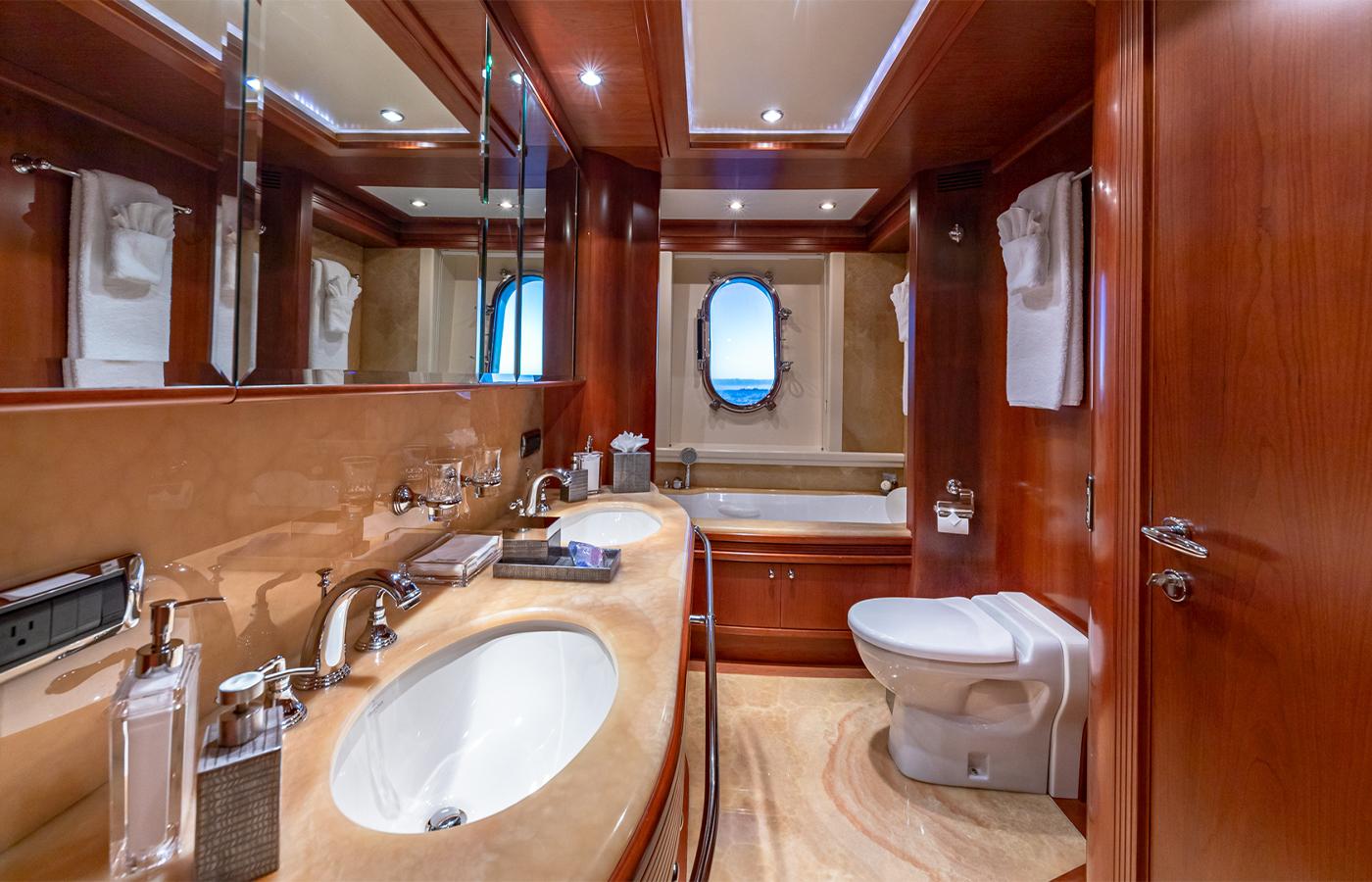 Luxury Yacht Charter: SWEET EMOCEAN | 116' Azimut 2009/2019 - photo 7
