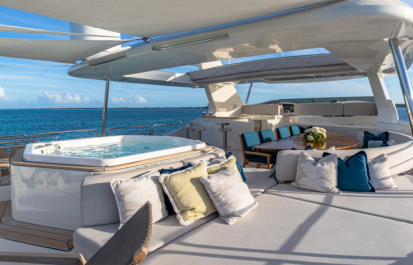 Luxury Yacht Charter: SWEET EMOCEAN | 116' Azimut 2009/2019 - photo 3