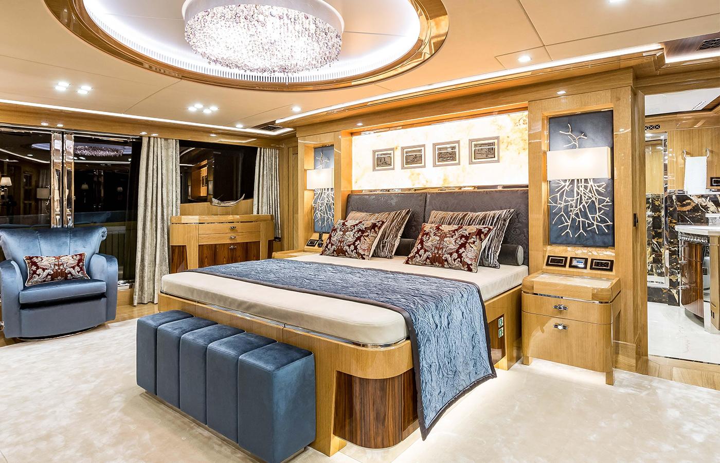 Viatoris superyacht master bedroom
