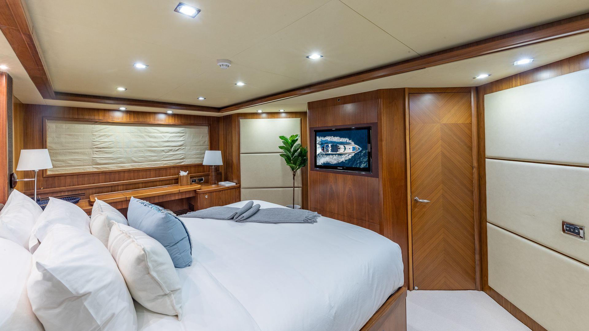 Luxury Yacht Charter: KEFI   105' Sunseeker 2004/2018 - photo 7