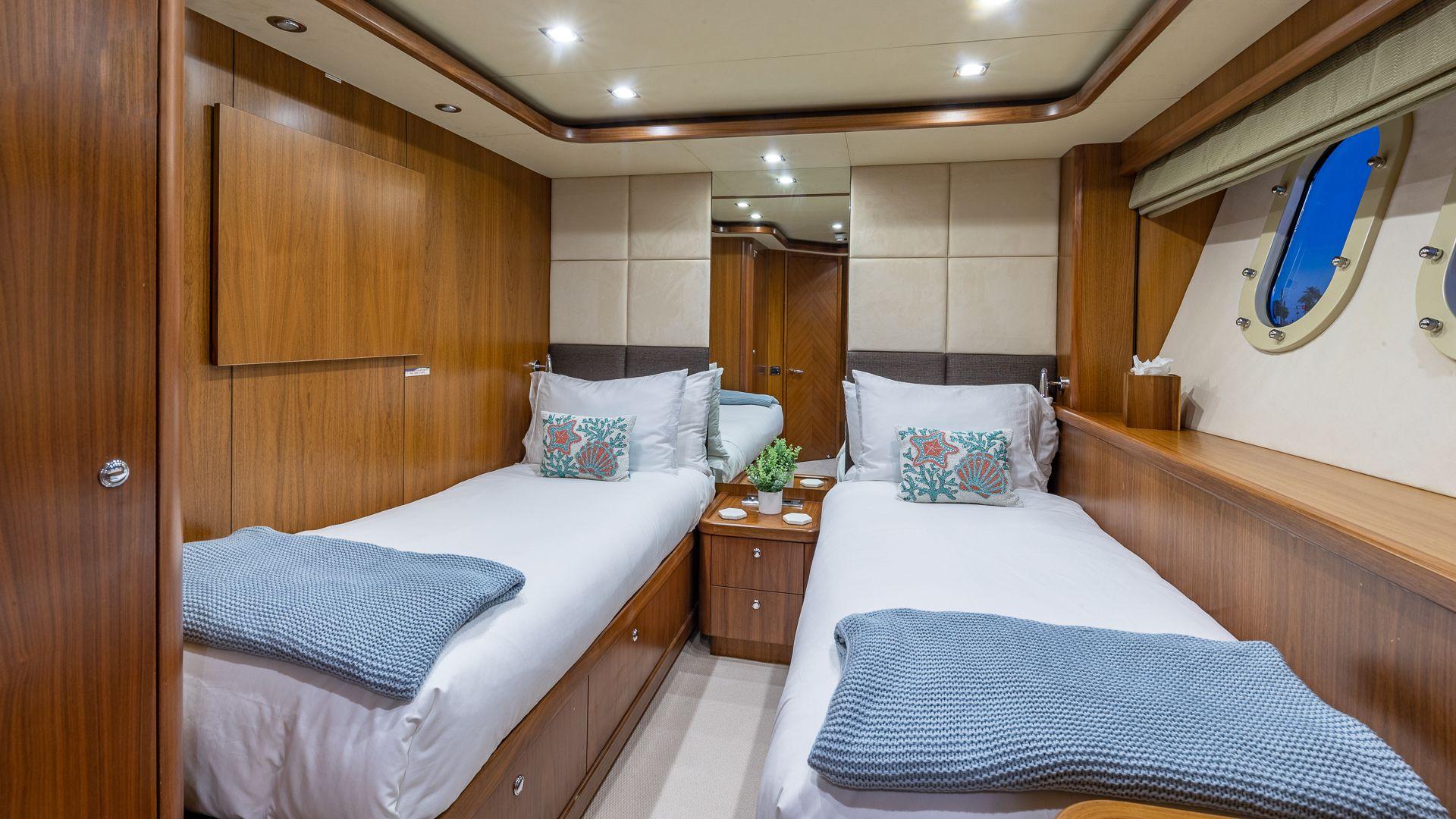 Luxury Yacht Charter: KEFI   105' Sunseeker 2004/2018 - photo 8