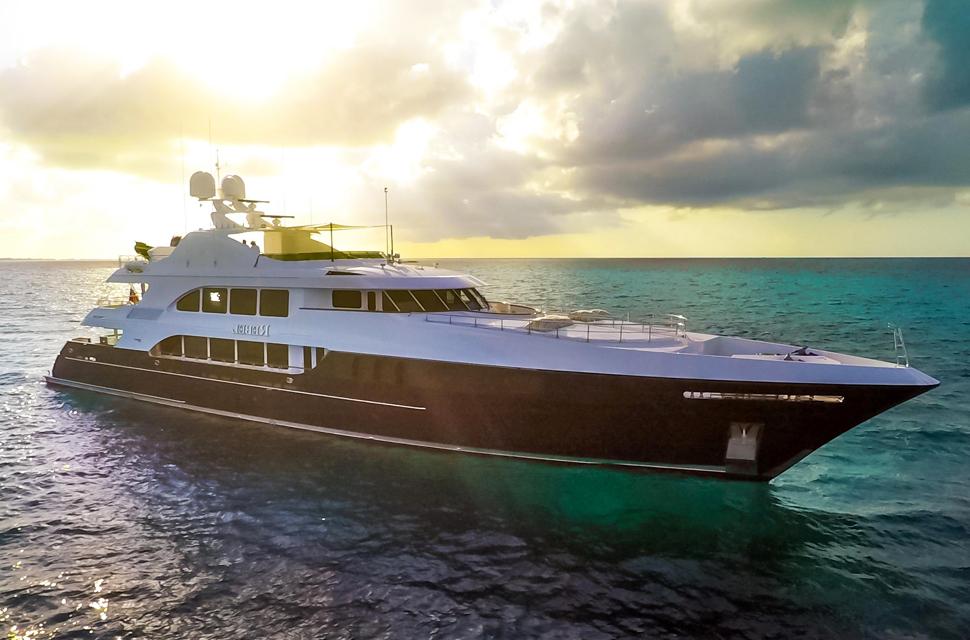 157'' Trinity Yachts