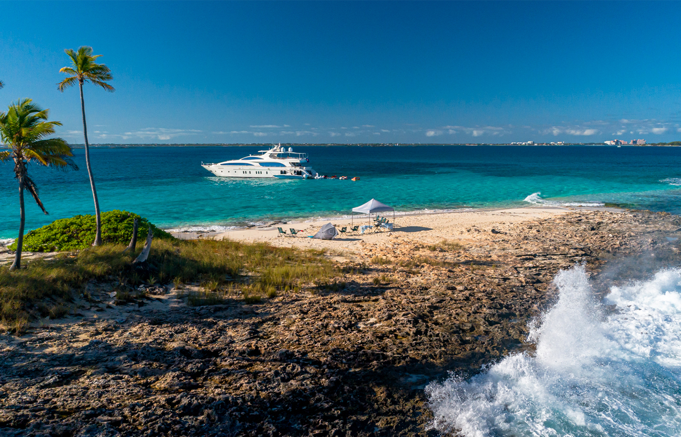 Caribbean Yacht Charters That Can Accommodate 8 Guests