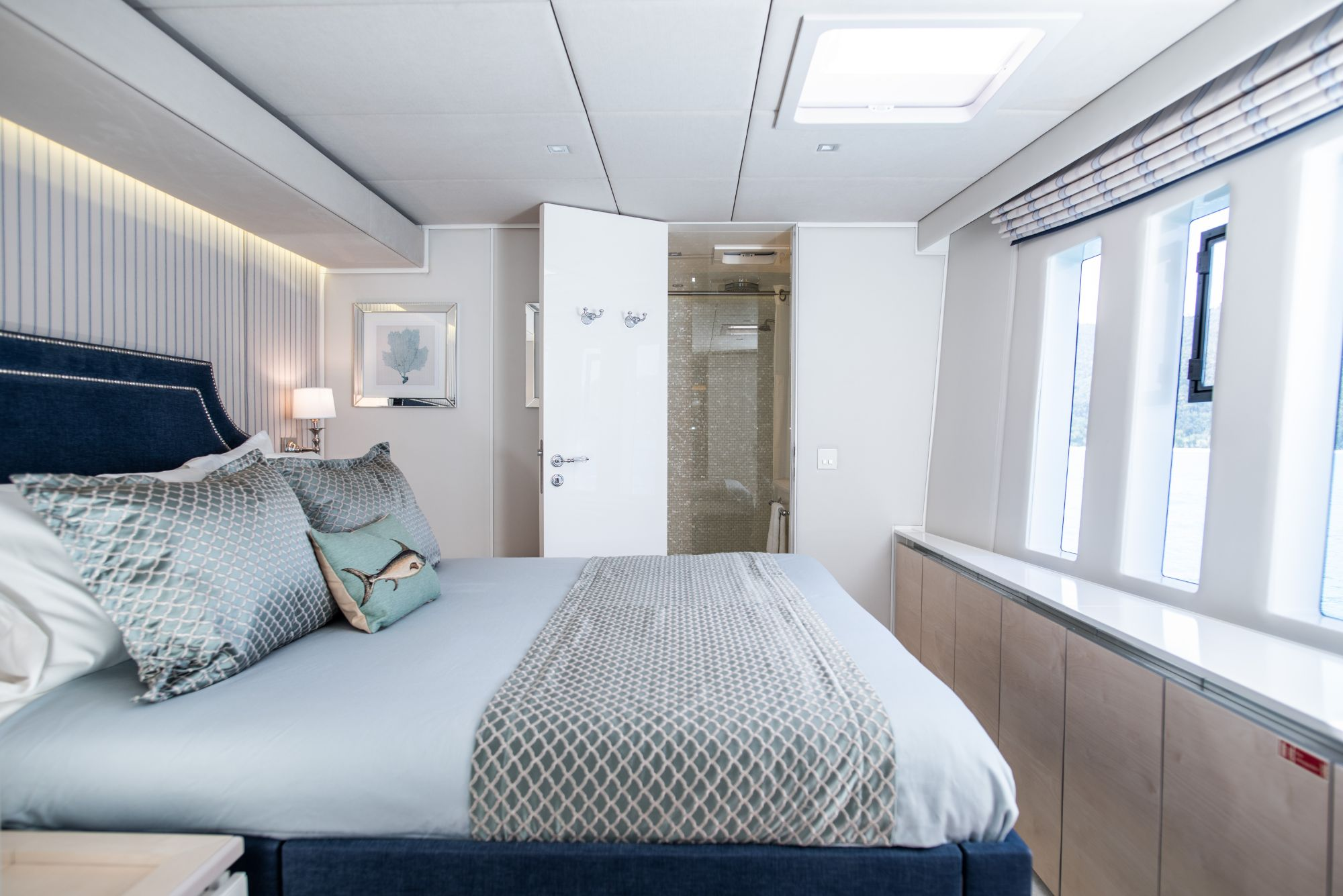 Luxury Yacht Charter: BUNDALONG | 80' Sunreef 2019  - photo 6