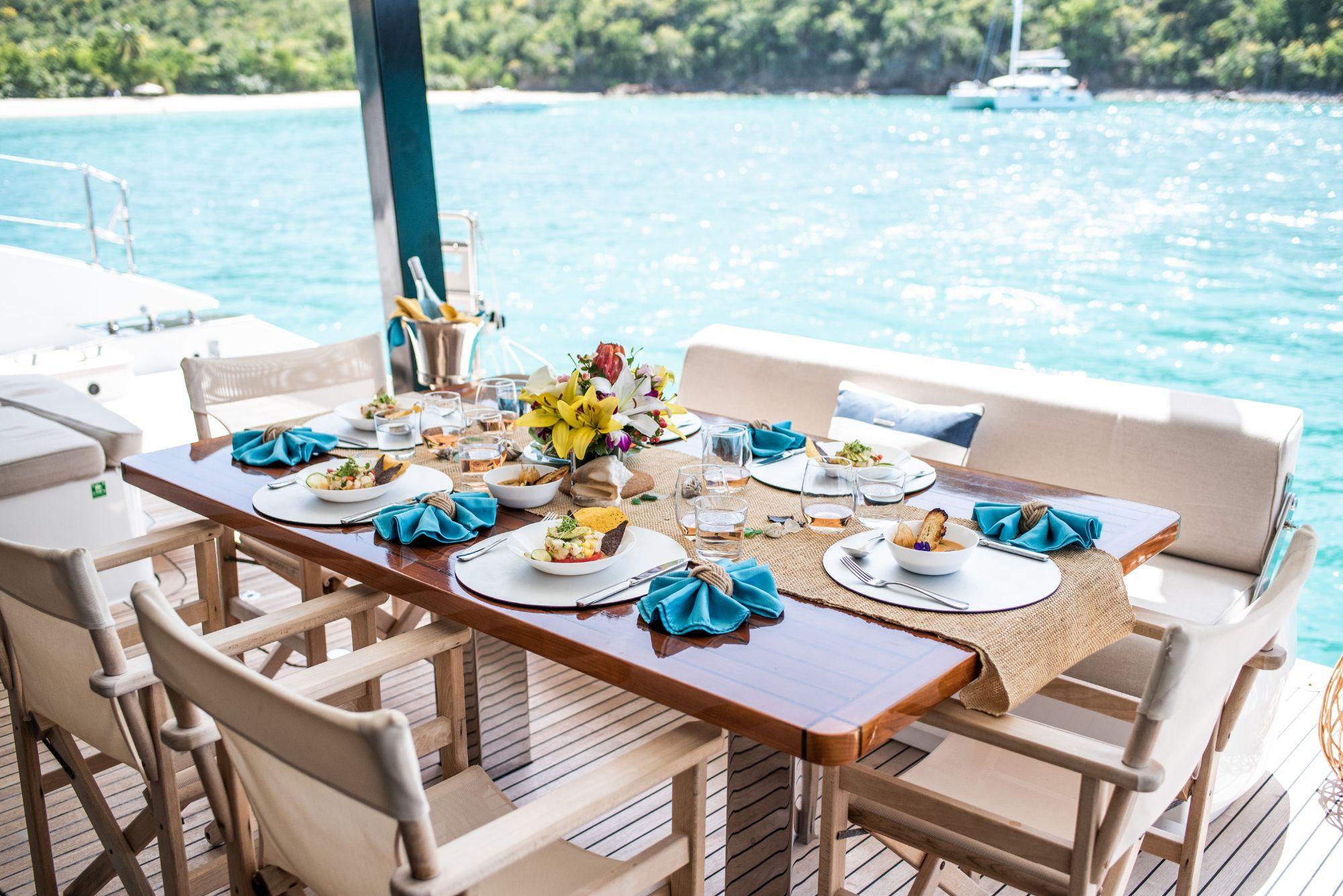 Luxury Yacht Charter: BUNDALONG | 80' Sunreef 2019  - photo 8