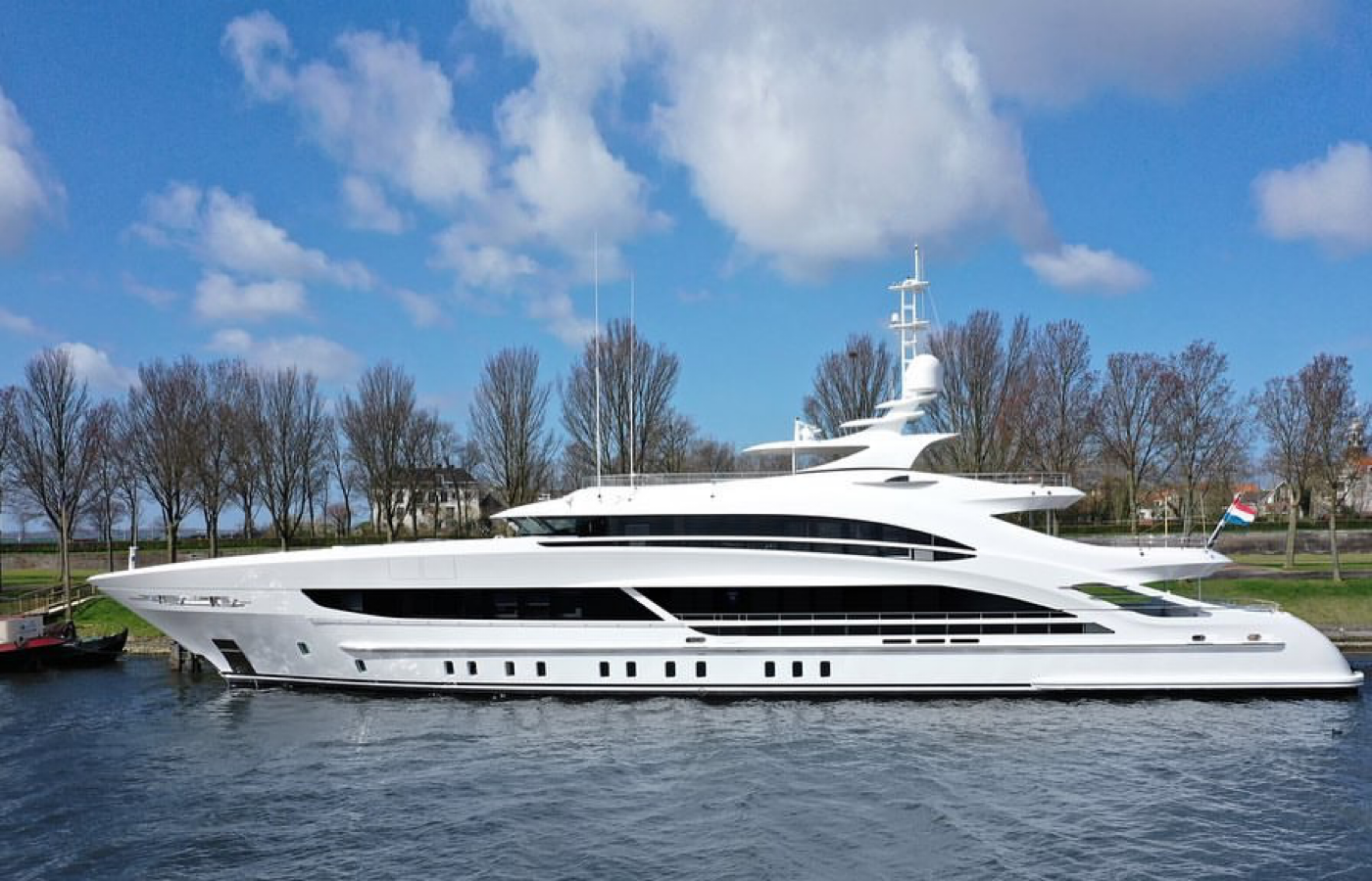 50M Heesen ARKADIA Delivered [PROJECT TRITON]