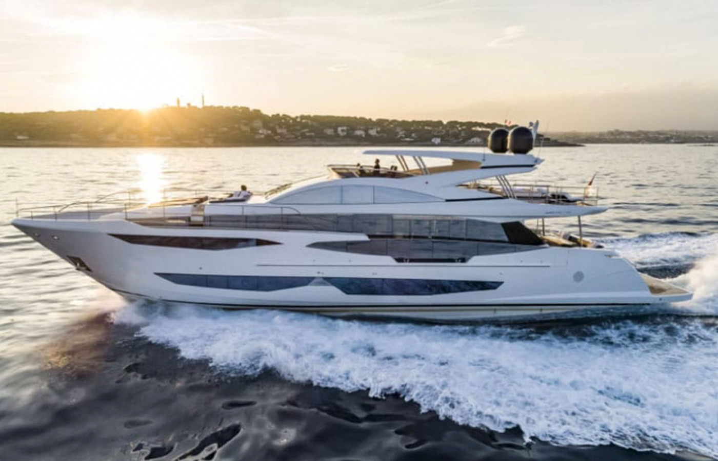 95′ Pearl Yacht Highlight [Boat Review + Video]