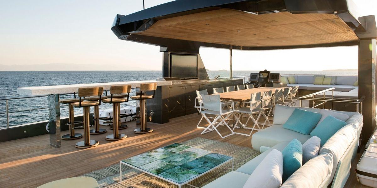 Alpha Yachts Sundeck