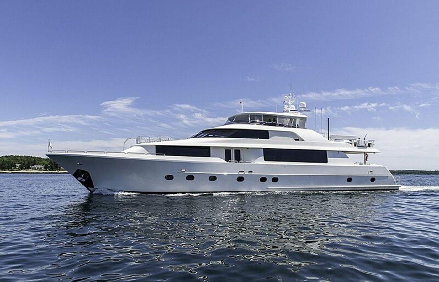 112 Westport Motor Yacht Sold By Richard Glazer + Erik Mayol
