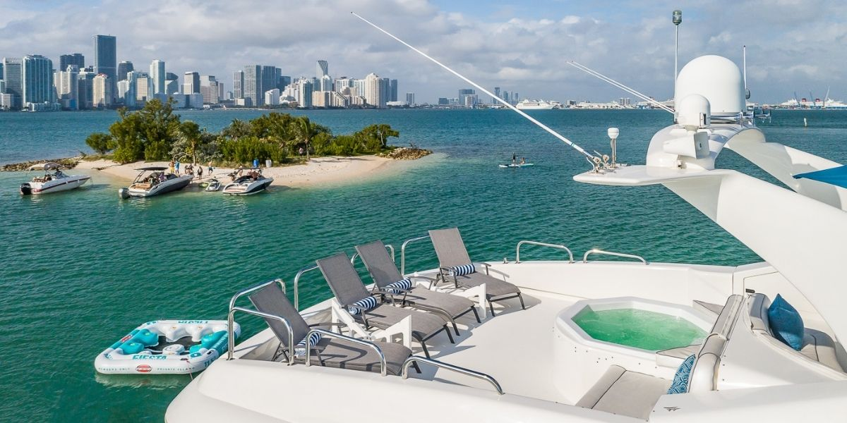 IV TRANQUILITY Yacht Charter
